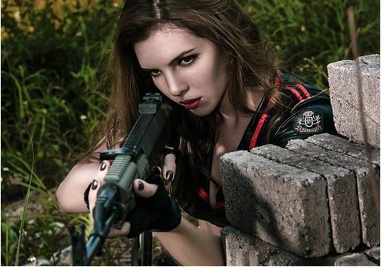 www.hg0662.com点击进入上海热线新闻频道——乌克兰女兵的颜值到底有多高 个个堪比制服的诱惑!