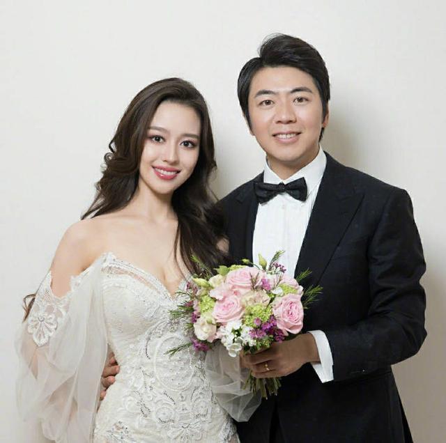 郎朗婚礼视频曝光 与娇妻晚宴上四手联弹 周杰伦上台