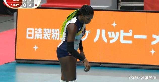 中国女排完胜多米尼加 龚翔宇回应受伤