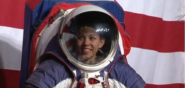 时隔40年,NASA公开新宇航服,未来可用于登月任务