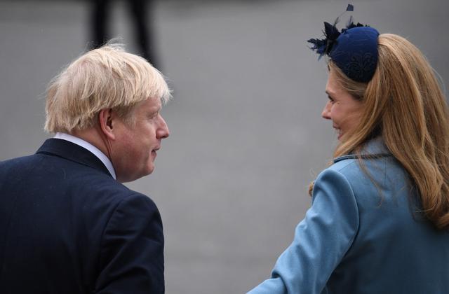 """英国55岁首相约翰逊""""喜当爹"""",31岁女友顺利诞下一男婴"""