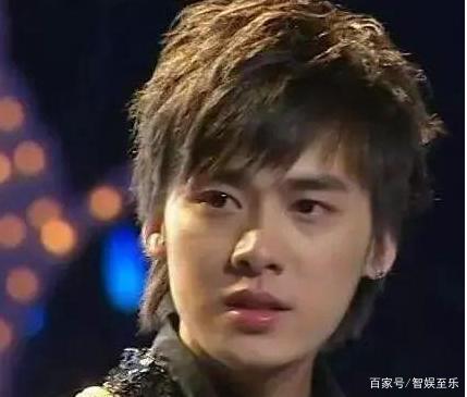 龚俊在张雨绮的广告里当过群演