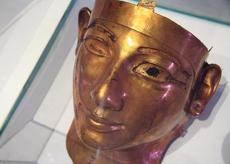 埃及法老王黄金面具终于来了图片