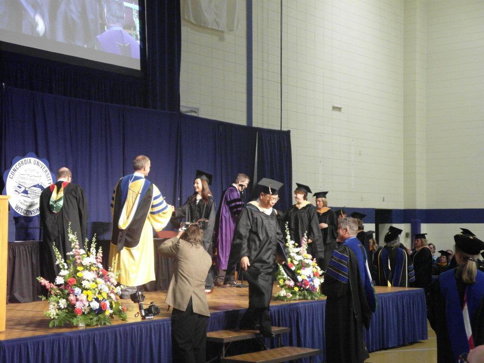 美国协和大学 威斯康辛分校毕业典礼隆重举行