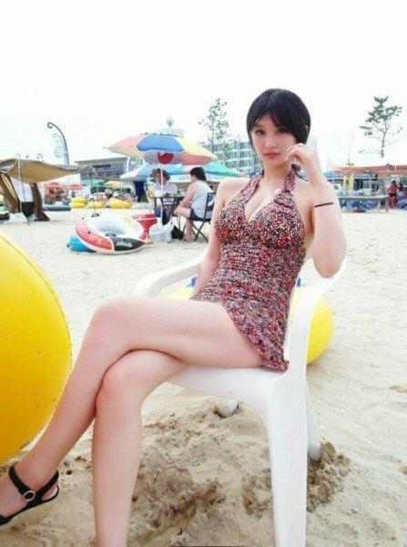 韩国游戏女主播BJ佳琳私照曝光 大奶低胸装最抢镜