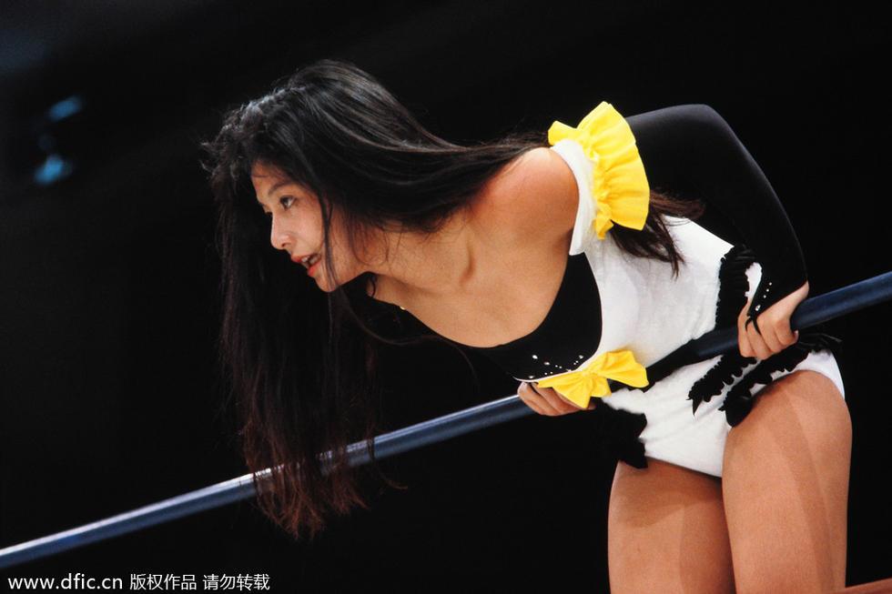 日本女子摔角香艳撩人 女爷们拳台本能血腥撕