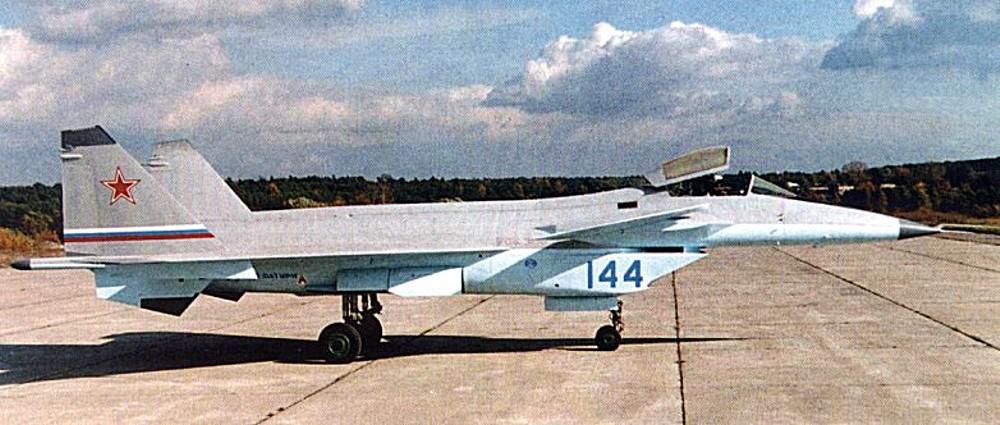 1989年开始首架飞机组装
