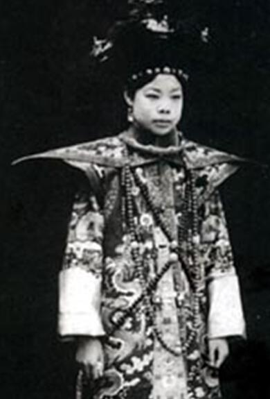 末代皇妃为何与溥仪闹离婚? 照片乍一看吓人