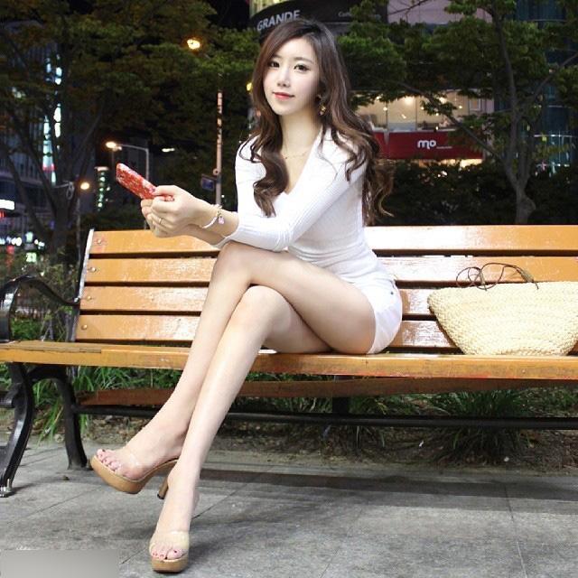 韩国最美体育女教师走红 网友狂呼:老师真美