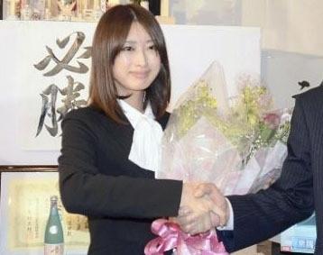 日女议员藤川优里美得过头走红