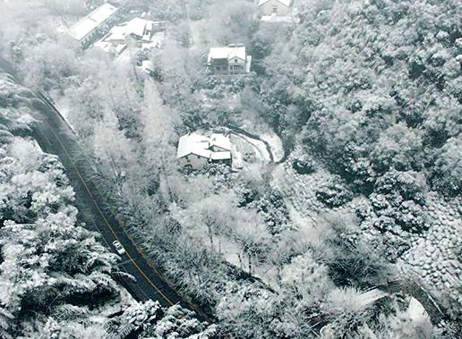航拍西湖景区雪景