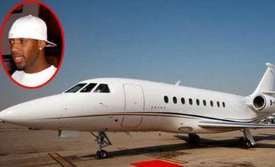 梅威瑟晒私人飞机价值3亿