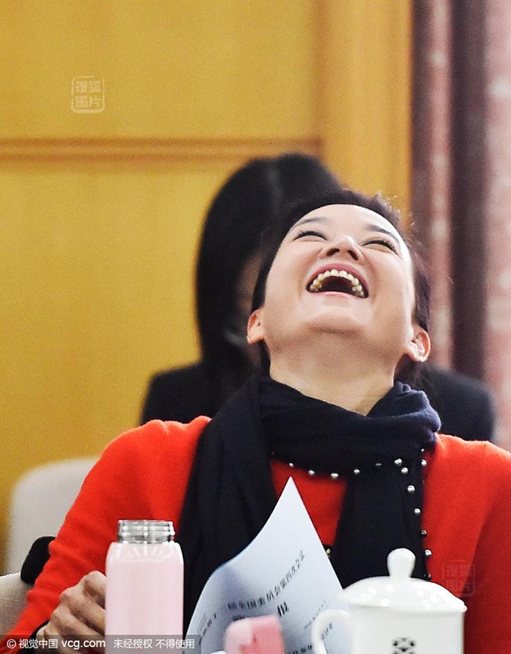 上海热线新闻表情--两频道捂嘴害羞萌态十表撤也情回用包没图片