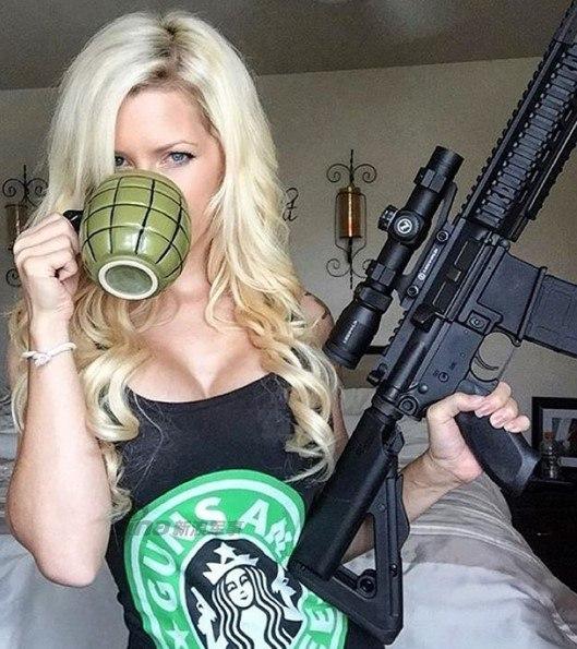拿枪的女人不好惹!射击场上美女们的靓丽风景