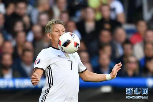 上海热线新闻频道——欧洲杯德国3-0胜斯洛伐克