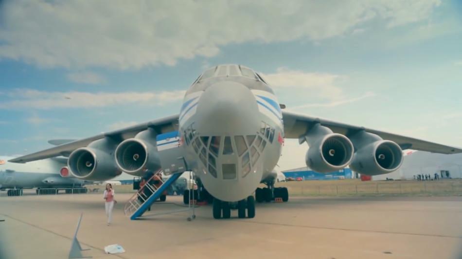 俄方发伊尔76飞机宣传视频