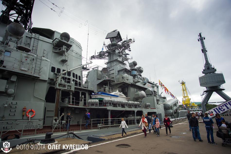"""近日,俄罗斯自用版现代级驱逐舰""""乌沙科夫海军上将""""号向公众开放"""