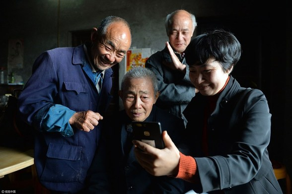 离家77年 97岁台湾老兵找回四川家人