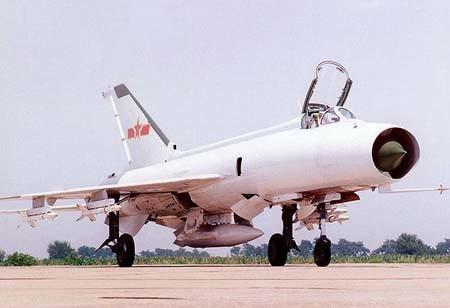 他早在60年代初还在沈阳飞机设计所时,就力排众议,打破苏联传授的体制