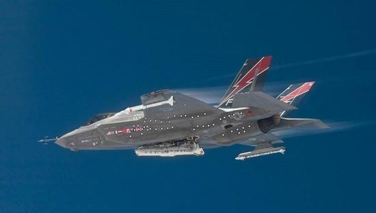 fc-31战斗机,就会让两种战斗机都无法达到理想装备规模,从而推高飞机