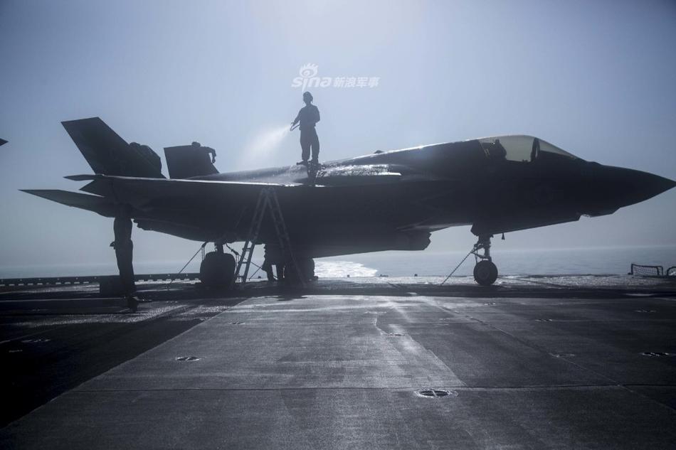 四等人有排面!美海军两栖攻击舰满载F35B巡航印度洋
