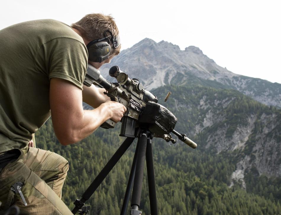 山水间暗藏杀机!北约多国狙击手云集奥地利集训