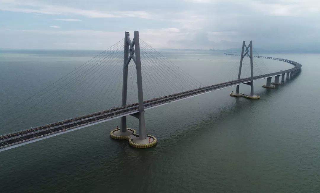 全长55公里 港珠澳大桥24日正式通车 系世界最长跨海大桥
