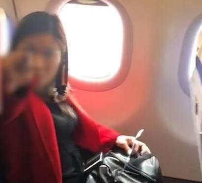 女子飞机霸座 女子的行为引起了众人的不满纷纷指责