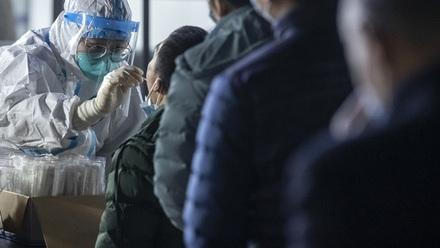 武汉一小区紧急隔离是在拍