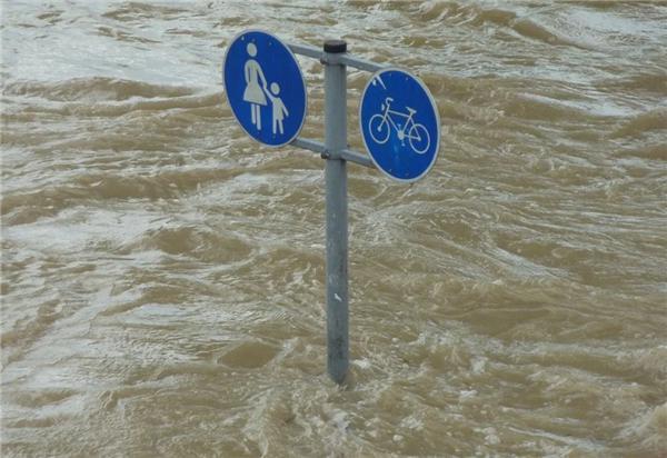 《【星图注册平台】洪水接触的一切食物都要丢弃 生水是传染病最好的传播渠道》
