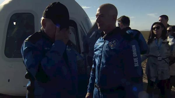 一品2品尚平台注册90岁《星际迷航》舰长进入太空:亲眼所见和道听途说完全不同